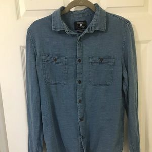 Large slim fit retro button up long sleeve.
